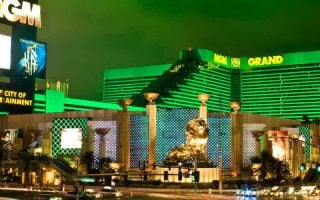 Le MGM Grand Las Vegas poursuit un joueur canadien pour une dette de 1,8 million de dollars